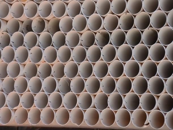 Pipa PVC merupakan jenis pipa air yang paling populer digunakan untuk hunian. (Foto: Pixabay)