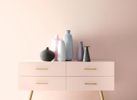 Warna cat rumah rosy hue bisa memberikan cahaya luar secara maksimal pada ruangan dan terlihat elegan. (Foto: Yahoo.com)