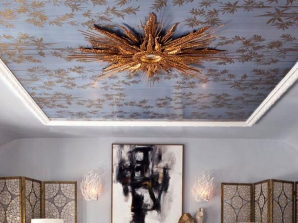 Ornamen berbahan fiber mudah dipasang, ringan, dan menampilkan kesan artistic di ruangan. (Foto: Decoist)