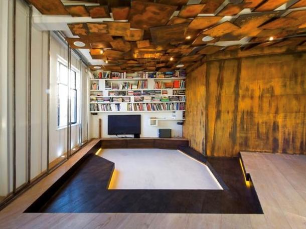 Plafon geometris yang dipasang dengan struktur acak akan menjadi pusat perhatian di rumah. (Foto: Shelterness)