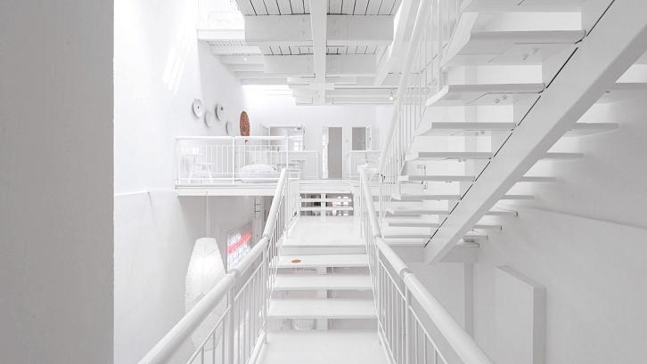 Canvas House dengan desain interior minimalis. (Foto: Deezen)