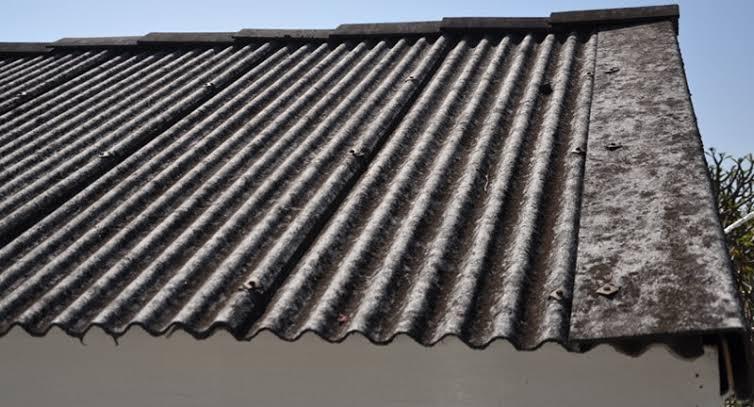 Ternyata genteng juga ada yang berbahan dasar asbes. (Foto: job-price.co.uk)