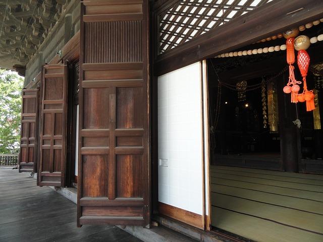 Rumah tradisional Jepang menginspirasi banyak desain pintu geser (Foto: Pixabay)