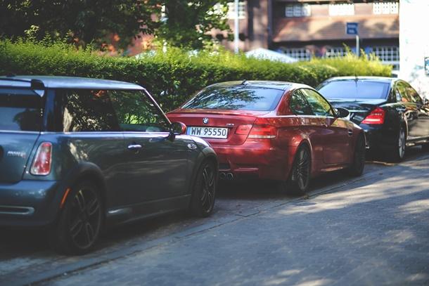 Pastikan pelanggan memiliki area parkir yang cukup dan aman. (Foto: Pexels)
