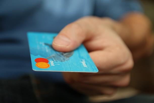 Atur budget dan dana Anda untuk biaya-biaya lain agar transaksi berjalan lancar. (Foto: Pexels)
