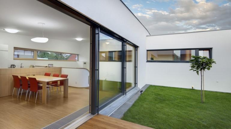 20 Ide Pintu Geser Cantik Dan Hemat Ruang Rumah Com