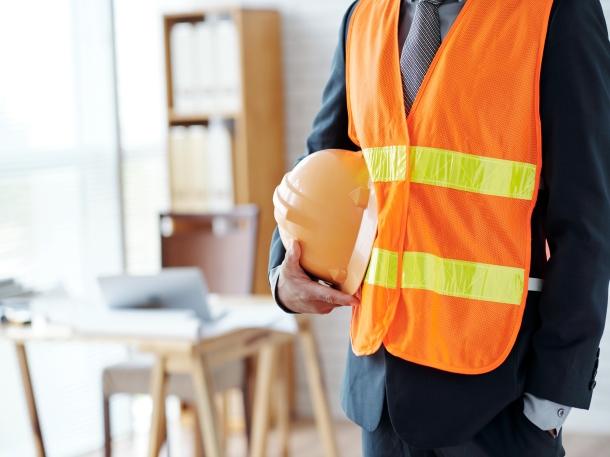 Kontraktor menyediakan jasa konstruksi sesuai dengan kontrak yang disepakati. (Foto: Freepik)