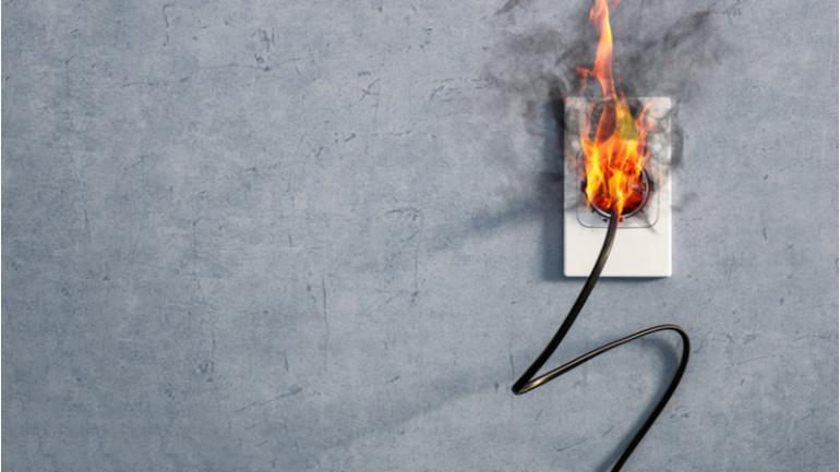 สาเหตุที่เกิดจาก อุปกรณ์ไฟฟ้า รอบรู้ อันตรายภายในบ้าน
