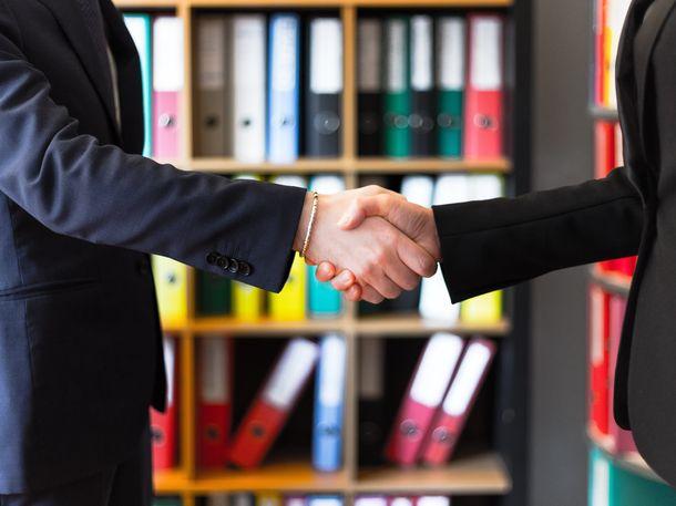 Surat kuasa mencakup pengurusan proses penjualan, tetapi tidak bisa digunakan untuk memindahtangankan. (Foto: Pexels)