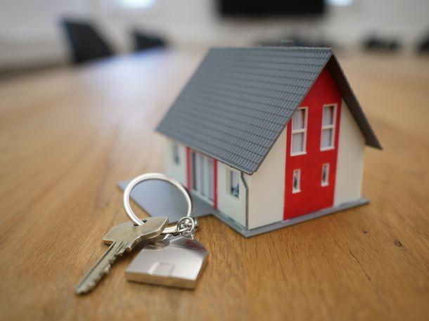 KPR syariah bisa menjadi pilihan bagi Anda yang ingin menghindari riba dalam proses pembelian rumah. (Foto: Pexels)