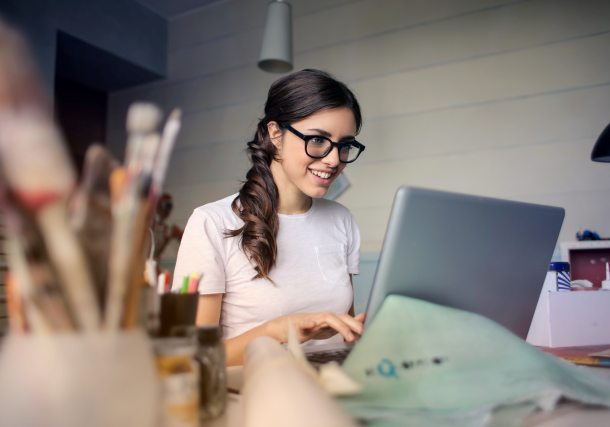 Usaha online bisa disesuaikan dengan minat dan keahlian Anda. (Foto: Pexels)