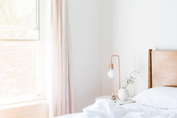 apartment-bed-bedroom-comfort-545034