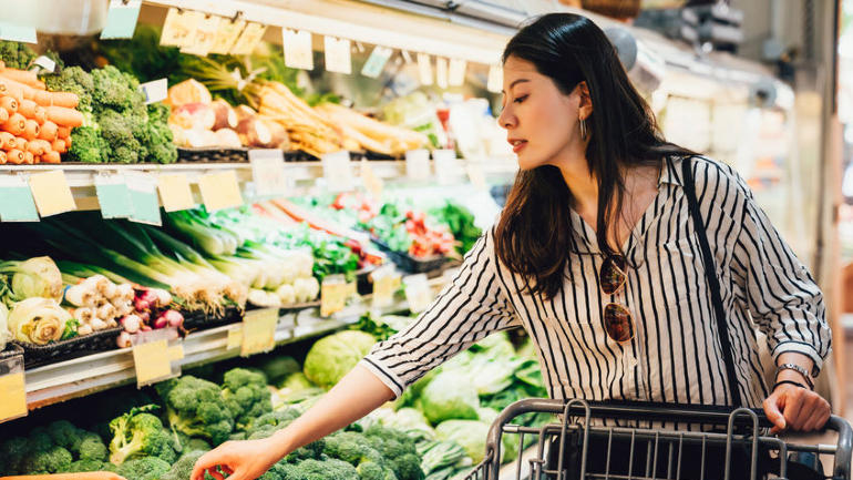 List Of Groceries You SHOULD Stock Up On!