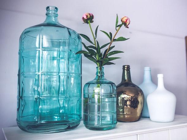 12 Ide Memanfaatkan Botol Bekas Di Rumah Rumah Com
