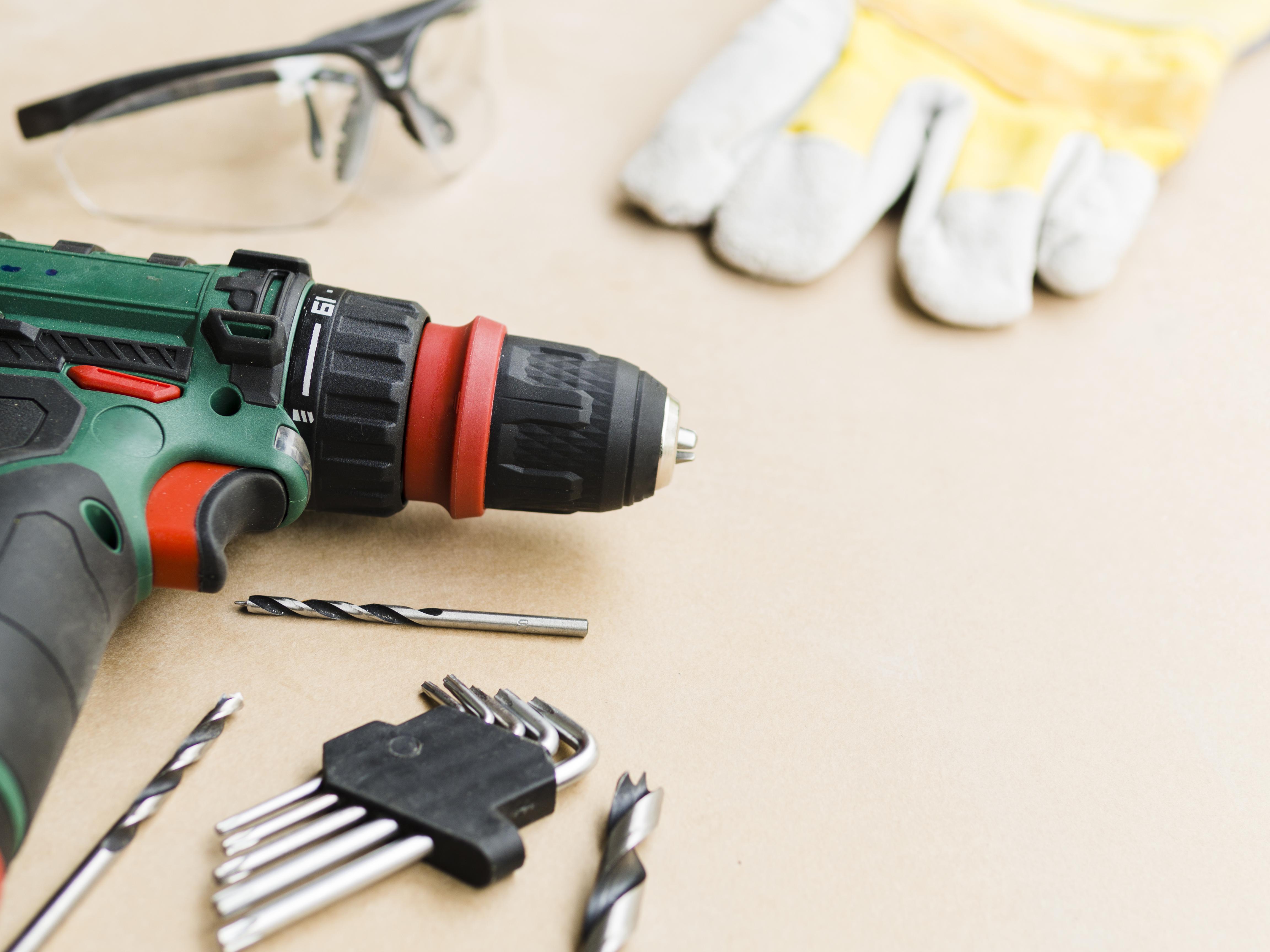 Belajar memperbaiki barang sendiri akan sangat bermanfaat (Foto: Freepik)