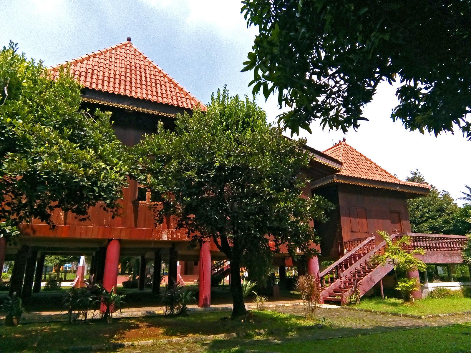 10 Fakta Tentang Rumah Limas Asal Sumatera Selatan