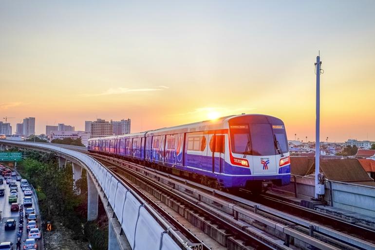 อัปเดตตารางเวลารถไฟฟ้า BTS เปิด-ปิดกี่โมง และ MRT เปิด-ปิดกี่โมง