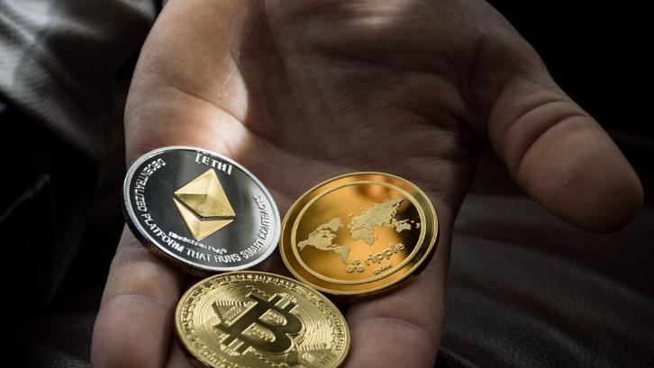Bitcoin: Definisi dan Panduan Lengkapnya Untuk Pemula