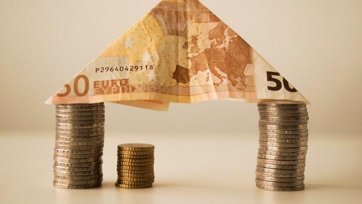 Dana Tapera dapat dicairkan melalui bank yang telah ditunjuk pemerintah lewat BP Tapera. (Foto: Pexels)
