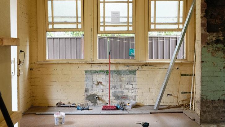 Peserta MBR dapat memanfaatkan dana untuk merenovasi rumah. (Foto: Pexels)