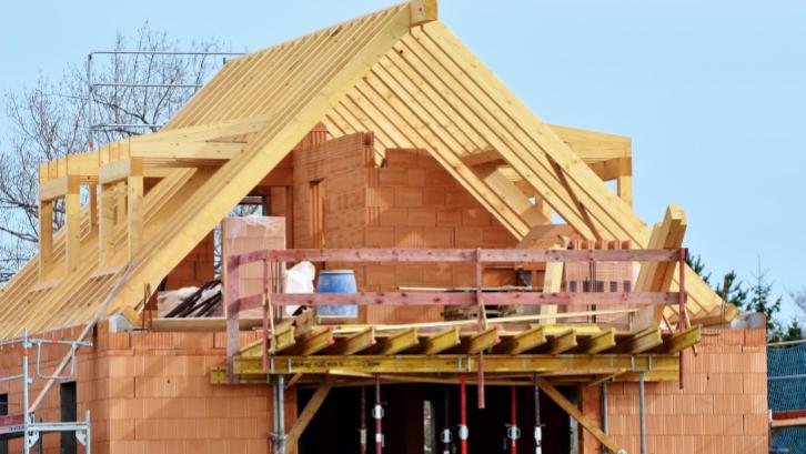 Jasa renovasi memegang peranan penting dalam keberhasilan renovasi rumah secara efisien (Sumber: Pexels.com)