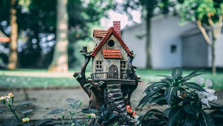Luas bangunan rumah yang terbatas bukan berarti membatasi ruang gerak Anda untuk memaksimalkannya. (Sumber: Pexels.com)