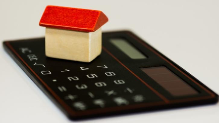 Biaya balik nama rumah memiliki beberapa komponen yang perlu diketahui agar perencanaan jual beli rumah berjalan dengan lancar. (Sumber: pixabay.com)