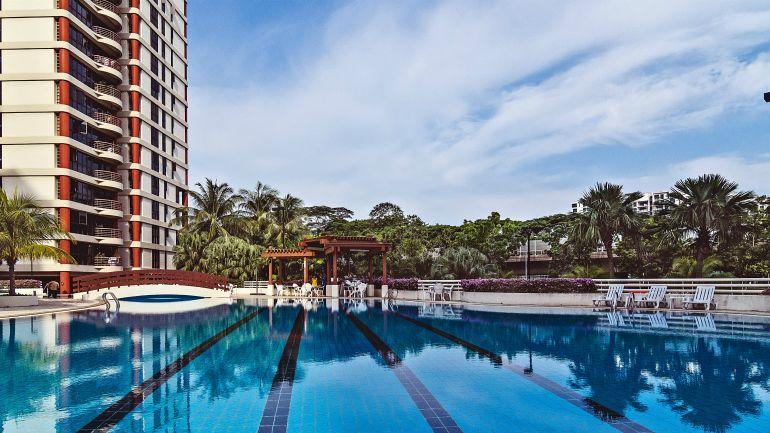 condo facilities swimming pool