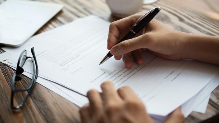 Dalam surat perjanjian sewa penting untuk menyematkan harga sewa yang telah disepakati bersama. (Foto: Freepik.com)