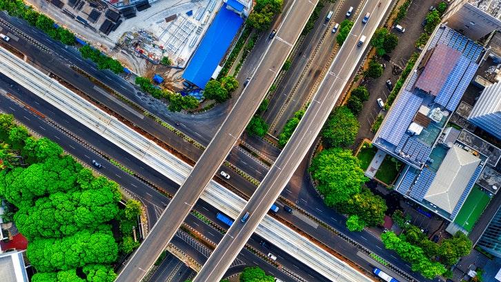 Caption: Kemudahan dalam mobilisasi menjadikan kawasan Jakarta Selatan sebagai potensi untuk hunian masa depan. (Foto: Pexels)
