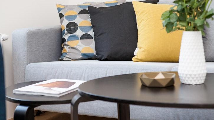 15 Warna Cat Ruang Tamu Agar Terlihat Lebih Luas Rumah Com