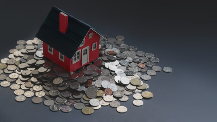 Caption: Anda sebaiknya mengetahui keunggulan sekaligus kekurangan dari setiap jenis pembayaran rumah. (Foto: Pexels)