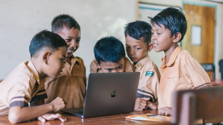 Akselerasi Digitalisasi di Masa Pandemi: Kesempatan Emas untuk Memajukan Pendidikan di Indonesia
