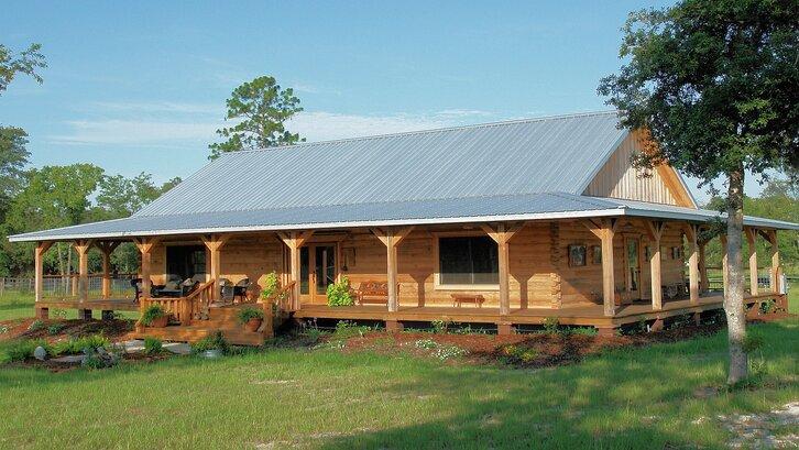Material rumah dengan atap seng mudah sekali untuk ditemukan. (Foto:Pixabay)
