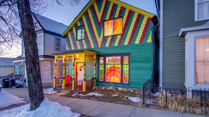 Caption: Rumah bergaya bohemian memiliki desain yang sangat indah. (Foto: The Happy Hippie Tye Dye House)