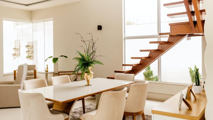 Beli rumah bekas memiliki kelebihan yaitu lingkungan rumah yang telah berkembang dibandingkan rumah baru. (Sumber: Pexels.com)
