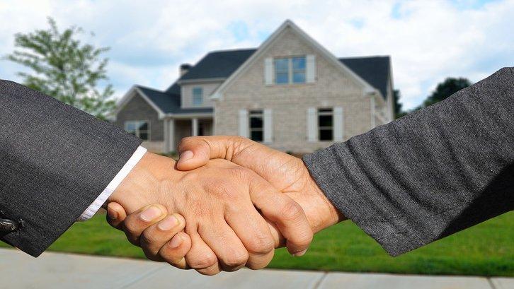 Jangan lupa komisi untuk agen properti jika menggunakan jasanya. (Foto:Pixabay)