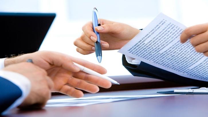 Syarat menggadaikan tanah di Rahn Tasjily untuk profesional formal adalah memiliki izin praktek kerja dan telah berjalan minimal 1 tahun. Sumber: Pixabay