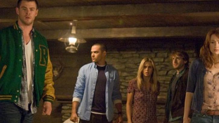 Peran dan akting Chris Hemsworth dalam film Cabin in the Woods patut diacungi jempol. (Foto: Wales Online)