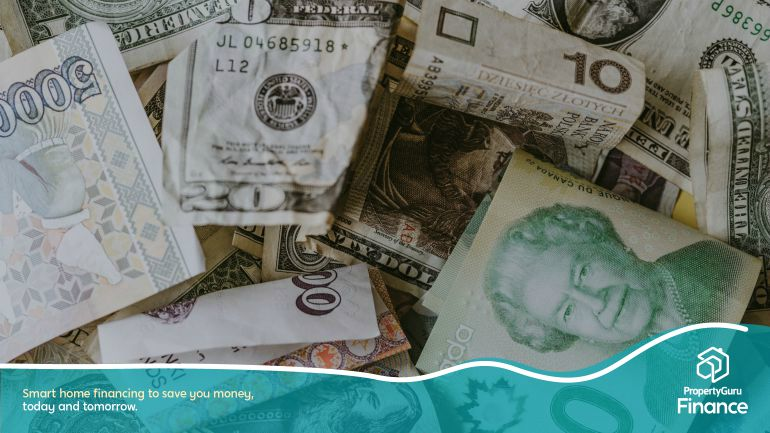 unsplashed_foreign currencies