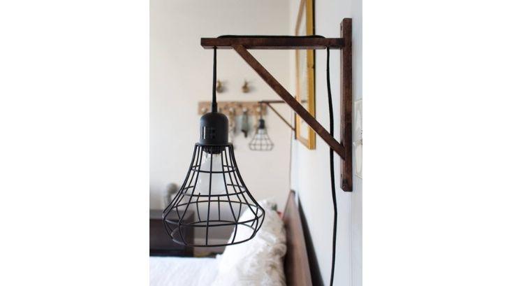 Selain lampu hias asimetris, juga ada lampu hias simetris yang memiliki bentuk dan ukuran ideal (foto: Apartment Therapy)