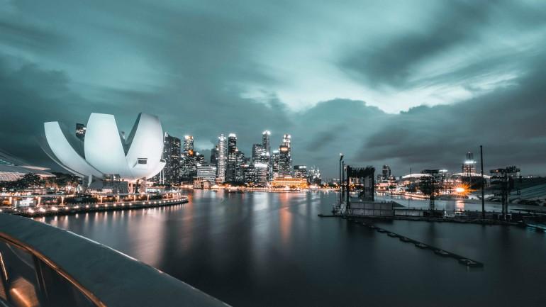 unsplash-singapore skyline dark recession