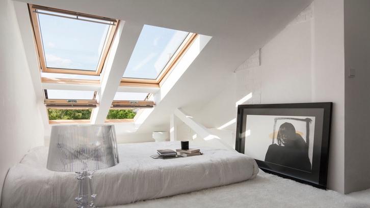 Loteng di rumah dapat menjadi ruang kamar tidur sederhana tersembunyi. (Foto: PL Architekci/Home Designing)