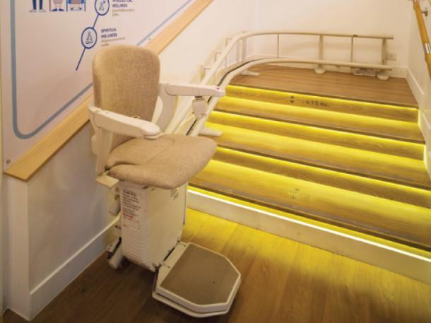 แบบบ้านผู้สูงอายุ ควรจะมีลิฟต์ไว้สำหรับขึ้น-ลงบันได