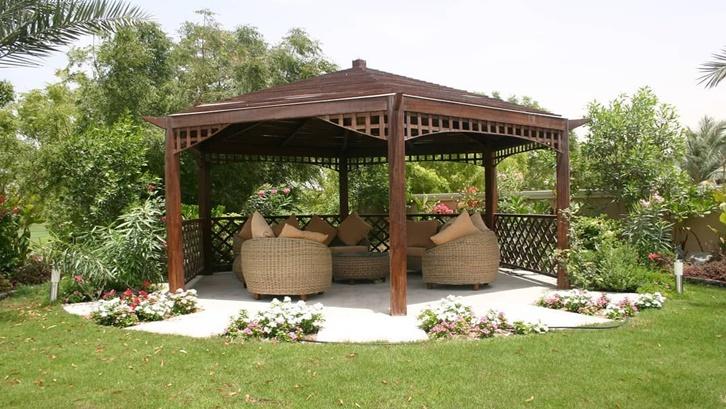 Gaya tradisional minimalis pada gazebo bambu bisa tetap elegan dan kekinian. Foto: Pinterest