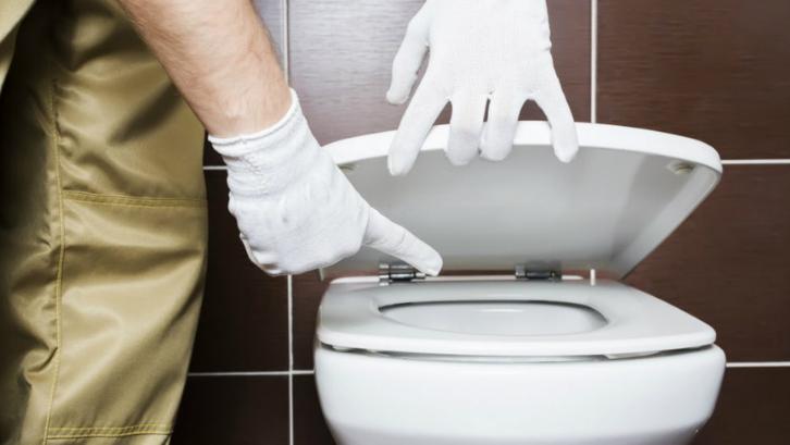Sedot WC Biaya, Peralatan, dan Tips Agar Tidak Mampet
