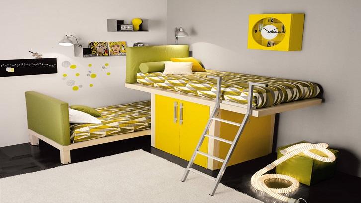 Bagian bawah penopang kasur atas bisa digunakan sebagai lemari untuk menyimpan pakaian anak. Sumber: Home Reviews