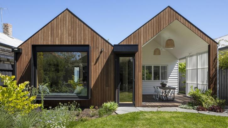 Exterior plywood sangat baik untuk keperluan luar ruangan. (Foto: e-architect)