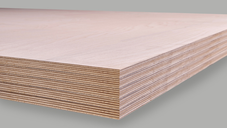 Memiliki lapisan yang keras adalah salah satu kelebihan dari triplek hardwood. (Foto: Demfre International)