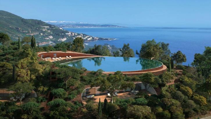 Villa Theoule Sur Mer memiliki akses langsung ke pantai dan pemandangan yang indah. (Foto: Sotheby's Realty)